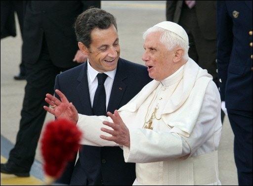 Sarkozy_pape